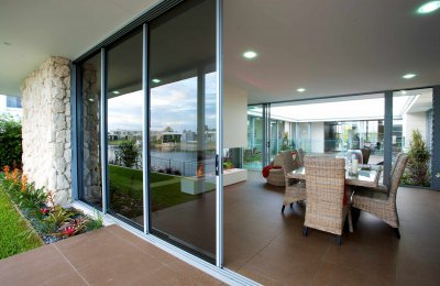Signature cavity sliding door (166mm wide frame - screens N/A)