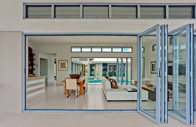 Signature bi-fold doors (screens N/A) & Louvre hi-lite (including screens)