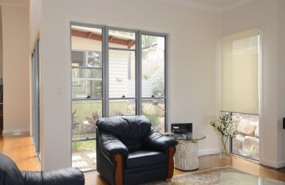 Essential double hung window (heavy duty mullions shown)