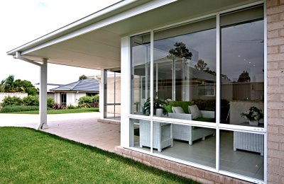Essential sliding patio window (52mm frame - without screens)